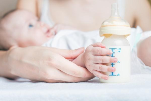 Младенец на искусственном вскармливании