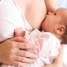 Сколько раз нужно кормить новорожденного грудным молоком?