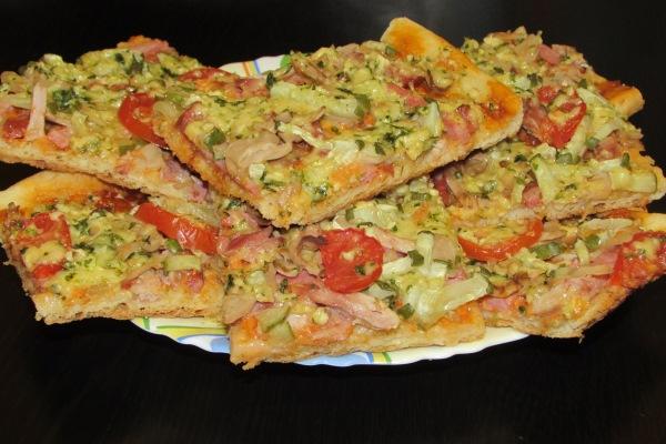 Сборная домашняя пицца