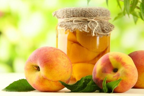 Свежие и консервированные персики