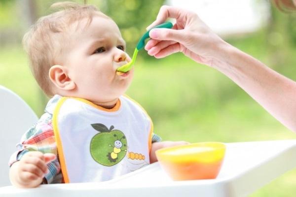 Прикорм ребенка пюре