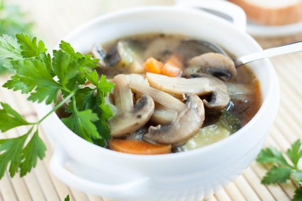 Суп из шампиньонов и овощей