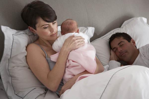 Младенец не спит ночью