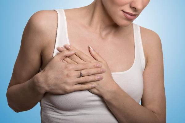 Болезненность груди у женщины