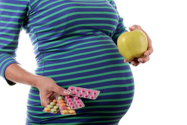 Витамины или фрукты: что лучше?