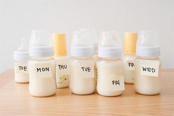 Сбор грудного молока