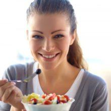 Сколько нужно употреблять калорий кормящей маме?